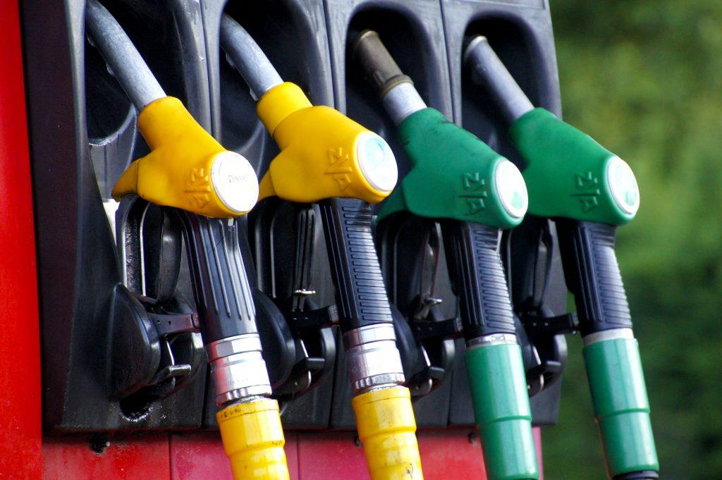 diesel fuel additives to clean diesel injectors