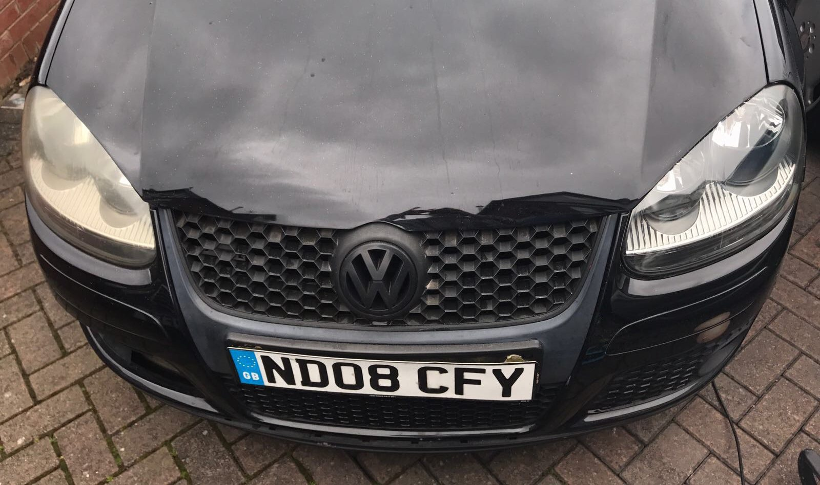 foggy headlights removed using toothpaste