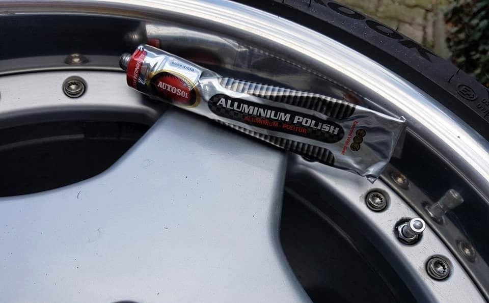Aluminum Wheel Polish