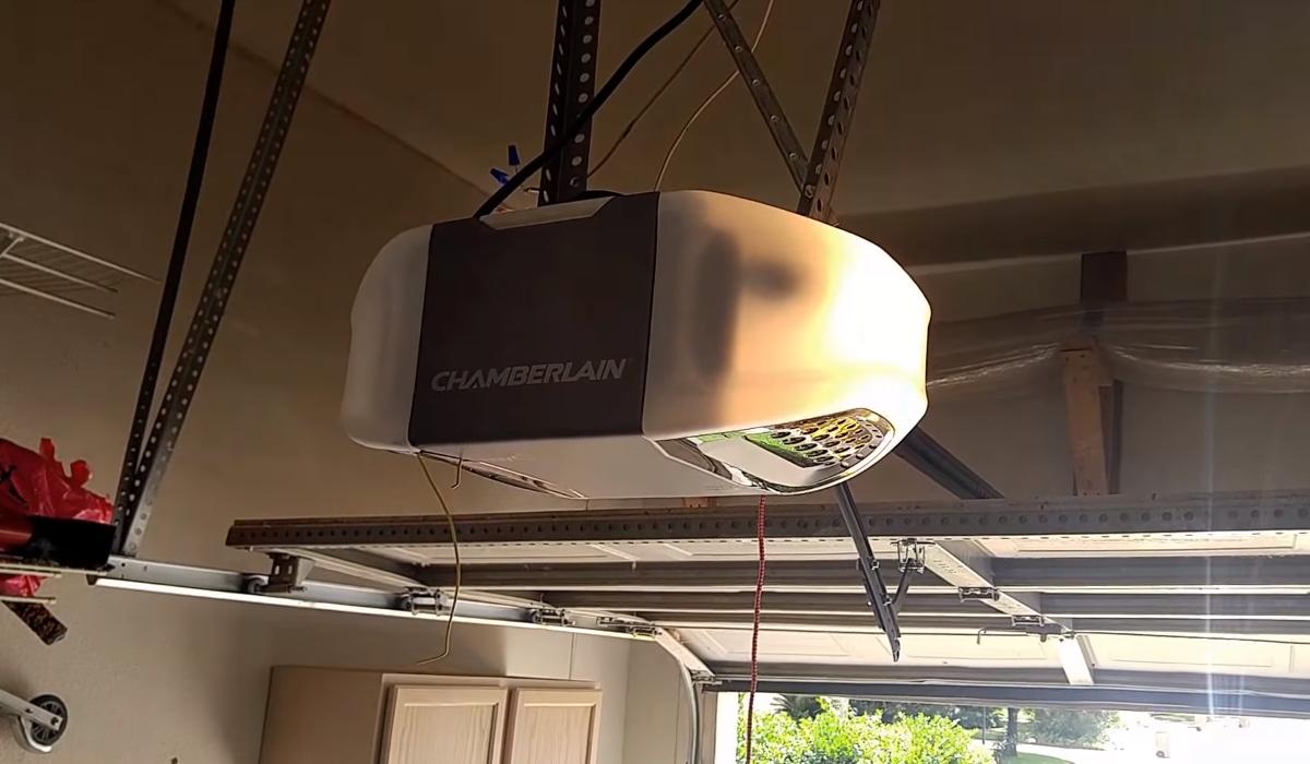 Best Garage Door Opener 2018 Quietest Amp Easy To Install
