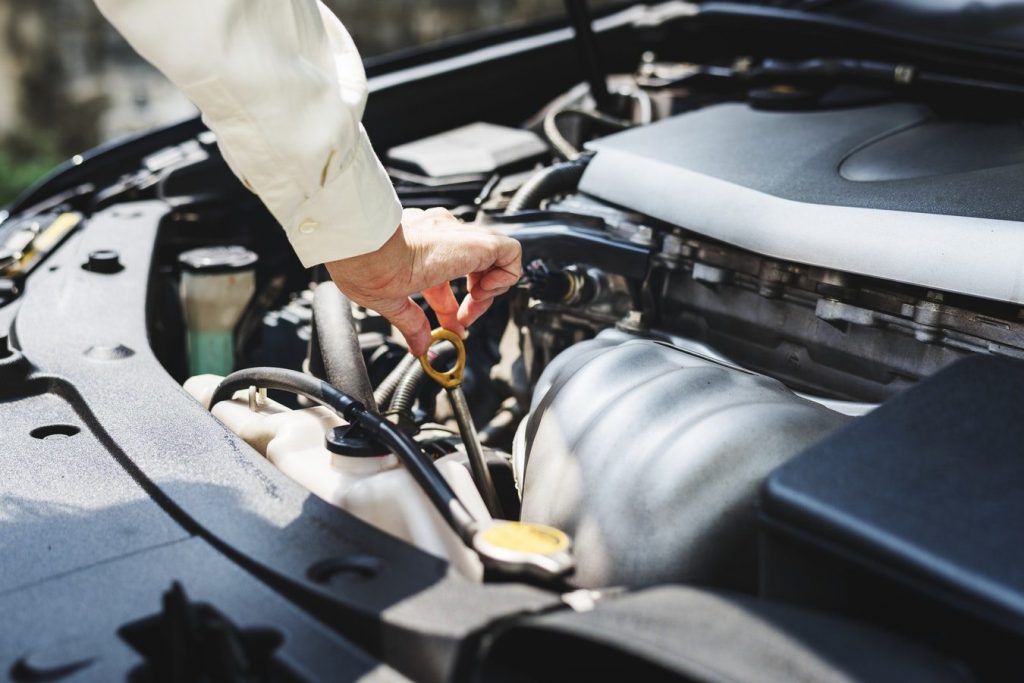How To Check Your Motor Oil