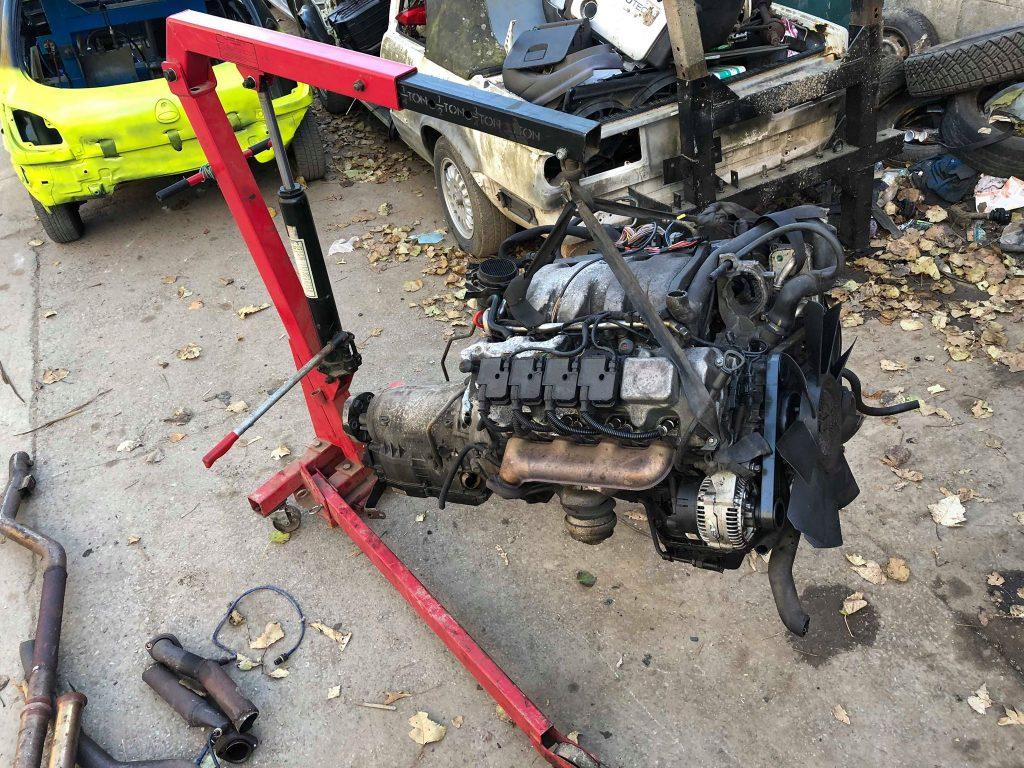 Hydraulic Engine Hoist