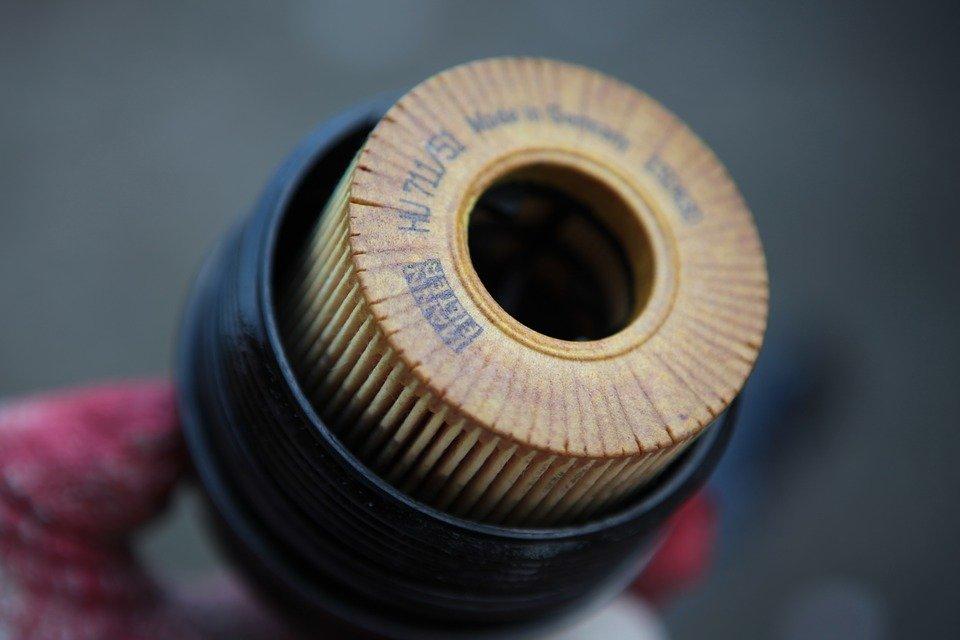 Replacing Car Oil Filter