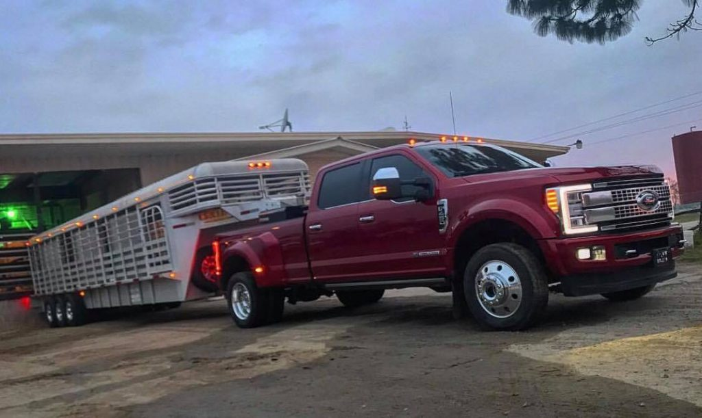 gooseneck hitch     bed installations
