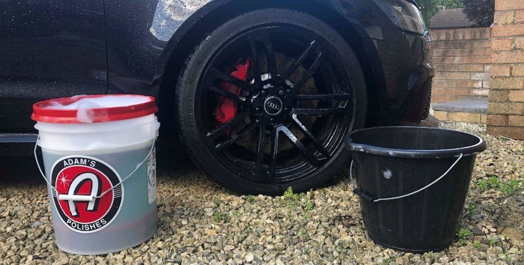 car wash bucket with grit guard